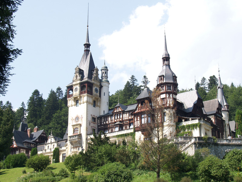 Prahova Valley Tour Peles Castle